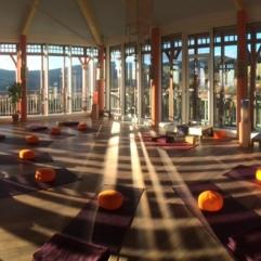 Yoga im Sonnengrußraum